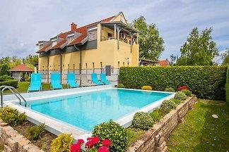 Ferienwohnung mit Klimaanlage, Pool, freiem
