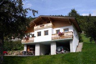 Ferienhaus mit Bergpanorama im Skigebiet
