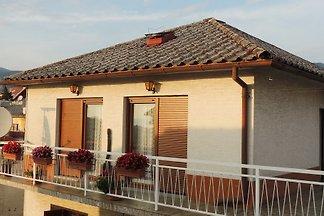 Ferienwohnung mit Grill und grosser Terrasse