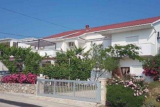 Ferienwohnung mit Terrasse und Meerblick
