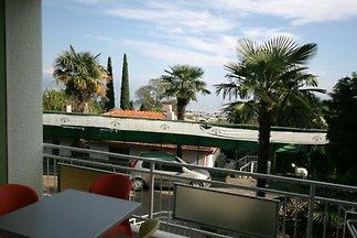 Ferienwohnung mit Klimaanlage und Balkon in