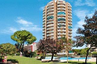 Ferienwohnung mit Pool & Balkon