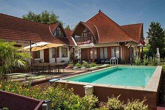 Ferienwohnung in einem Apartmenthaus mit Pool