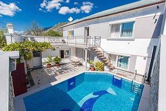 Ferienhaus with Pool