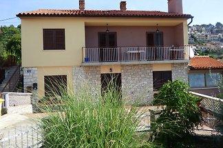 Ferienwohnung mit Klima und Balkon