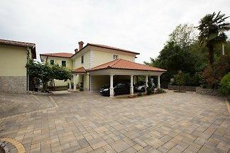 Ferienwohnung mit Terrasse und teilweise
