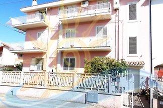 Ferienwohnung con balcone e aria condizionata