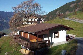 Ferienhaus mit Bergpanorama