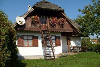 Ferienhaus nur 50 m vom See