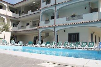 Ferienwohnung mit Terrasse und Aussenpool
