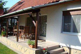 Ferienwohnung mit Gartenpavillon und 2 Bäder