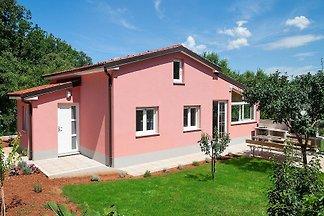 Ferienhaus mit Jacuzzi und Klimaanlage
