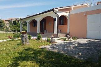 Ferienhaus in ruhiger Lage mit Terrasse