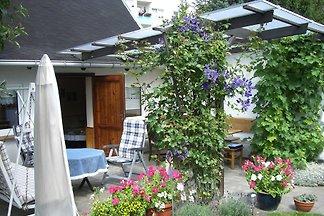 Bungalow mit überdachter Terrasse