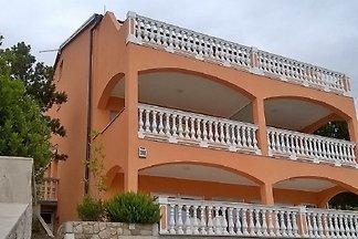 Ferienwohnung mit Terrasse 150 m vom Strand