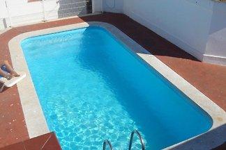 Ferienwohnung mit Pool und Dachterasse