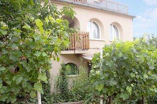 Ferienwohnung mit grossem Garten
