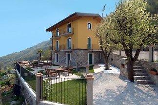 Holiday flat family holiday Tremosine sul Garda