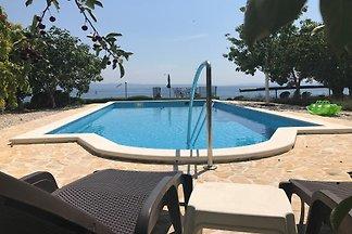 Ferienhaus mit Pool, Grill und Fitness