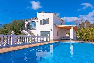 Ferienhaus mit Pool Nutzung