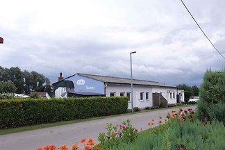Ferienhaus mit Grillterrasse und Spielplatz
