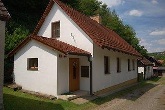 Ferienhaus mit Kajak nur 50 m vom Fluss