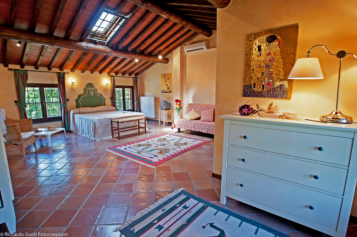 Mary Holiday Home In Cascina