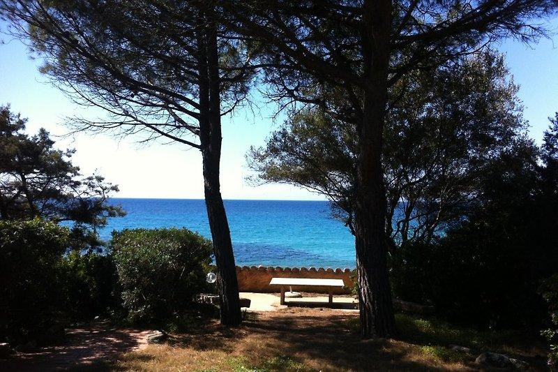 Villa Gennemari sulla spiaggia di sabbia in Torre delle Stelle - immagine 2