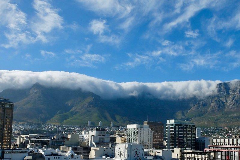 Tischtuch überm Tafelberg
