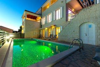 Villa Ivan und Ian, Pool, Meerblick