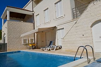 Villa Ivan and Ian, pool, sea view