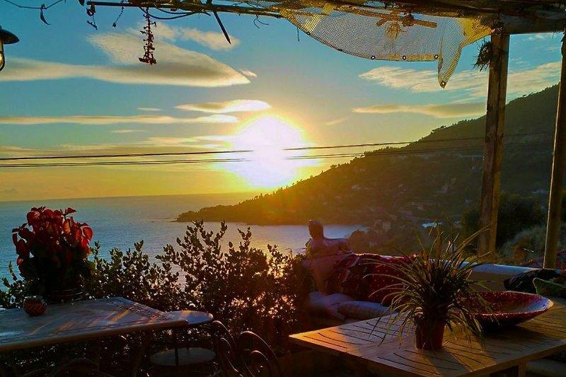 Terrasse fuer Ihre romantische Abendessen