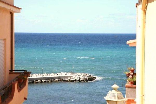 Ferienwohnung direkt am Meer in Trappeto - Bild 1
