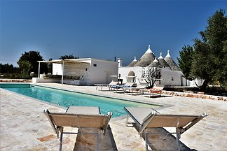 Trulli Olea sleeps 6/8 with pool