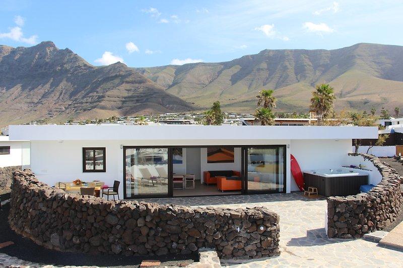 Luxus Beach Villa mit Whirlpool fuer 8 Personen