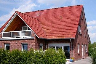 Die 4-Sterne Wohnung im EG  mit sonniger Terrasse ist 65 qm groß und bietet Platz für 2 Personen