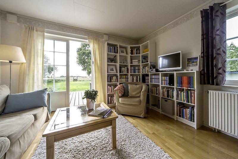 Wohnzimmer mit Austritt zur terrasse