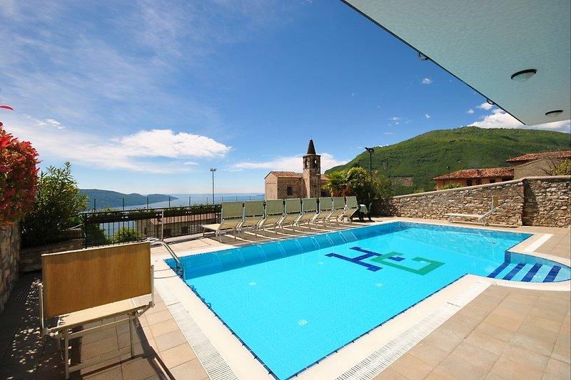 Schwimmbad im Hotel Gallo