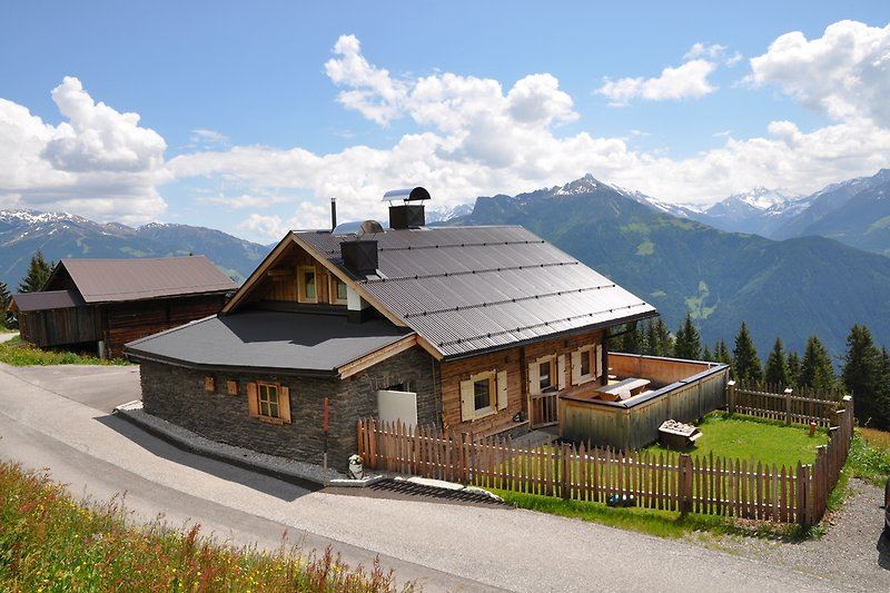 Berghütte Ahronblick