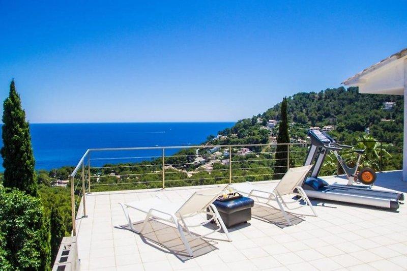 Freuen Sie sich auf den schönen Blick aufs Mittelmeer