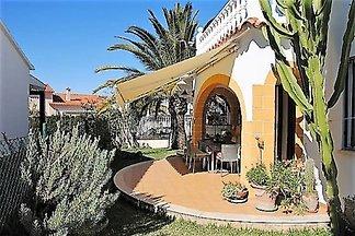 Villa independiente junto  la playa