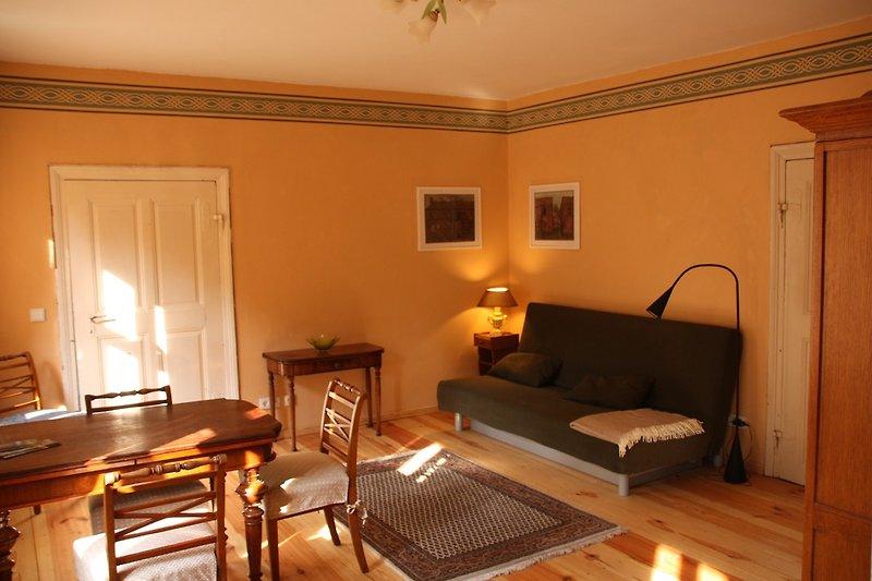 Wohnzimmer in der Nachmittagssonne