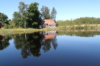 Villa Uppsala by the Lake