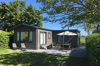 Luxuriöses, gemütliches Chalet für 6 Personen, auf Mini-Camping auf dem Bauernhof Ländliche Lage zwischen Vrouwenpolder und Oostkapelle. Das Strand- und Naturschutzgebiet Oranjezon ist zu Fuß erreichbar.