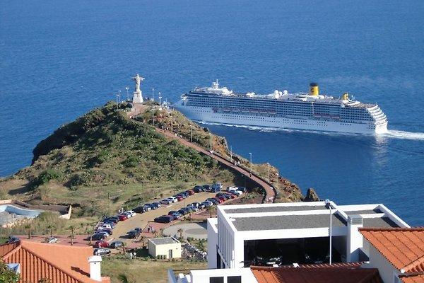 Apartamento con vistas al mar en Ponta do Garajau - imágen 1