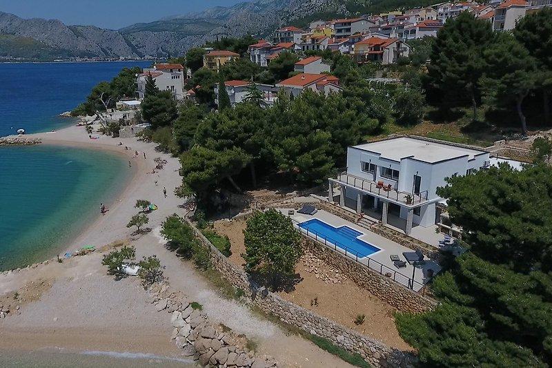 Beachfront Villa Ana