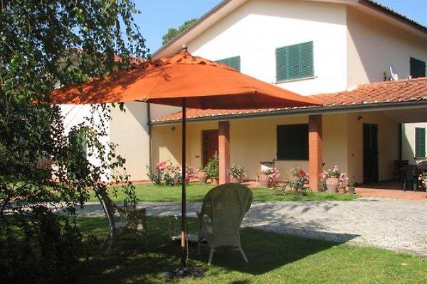 Villa Parenti à Lucca - Image 1