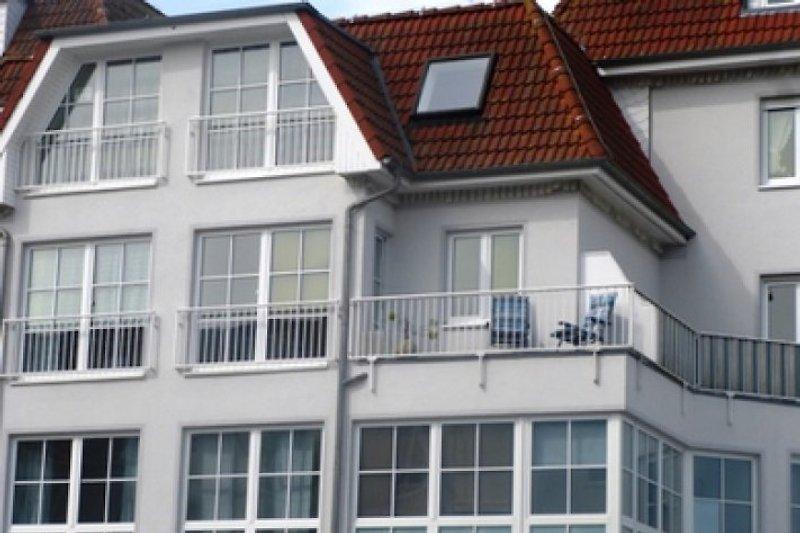 Kleiner Balkon, seitlicher Meerblick