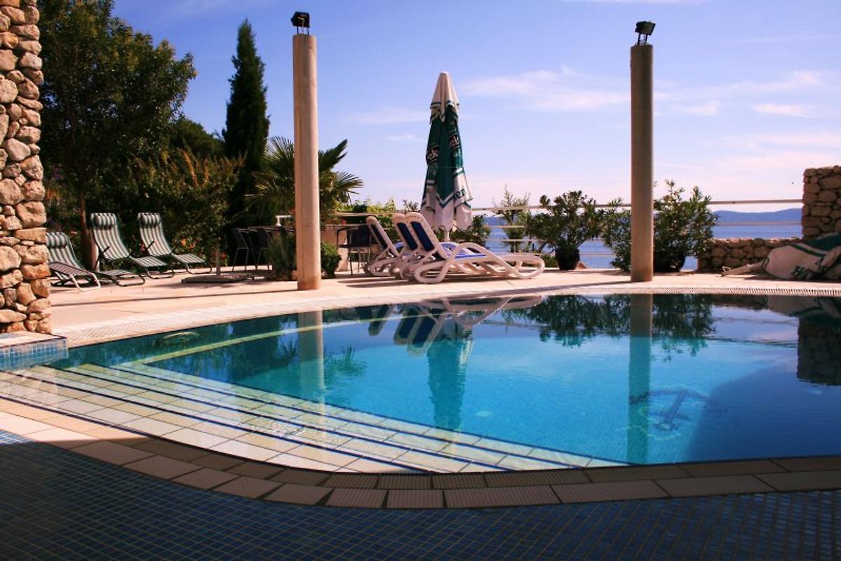 Villa margitta mit pool kroatien ferienwohnung in for Kroatien villa mit pool