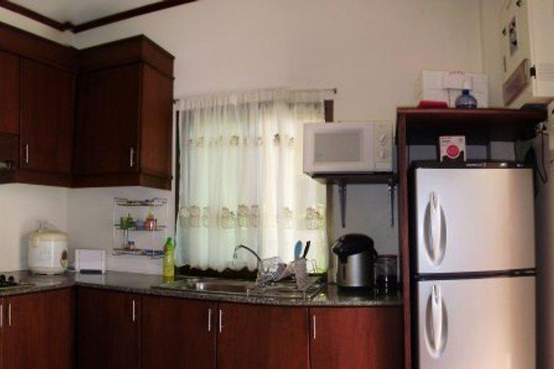 villa chomphoo ferienhaus in pattaya mieten. Black Bedroom Furniture Sets. Home Design Ideas
